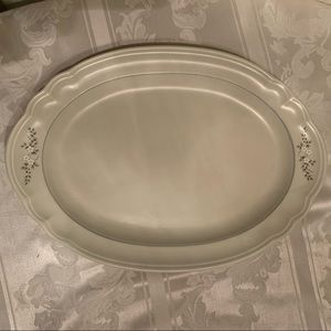 Pfaltzgraff Heirloom Oval Serving Platter